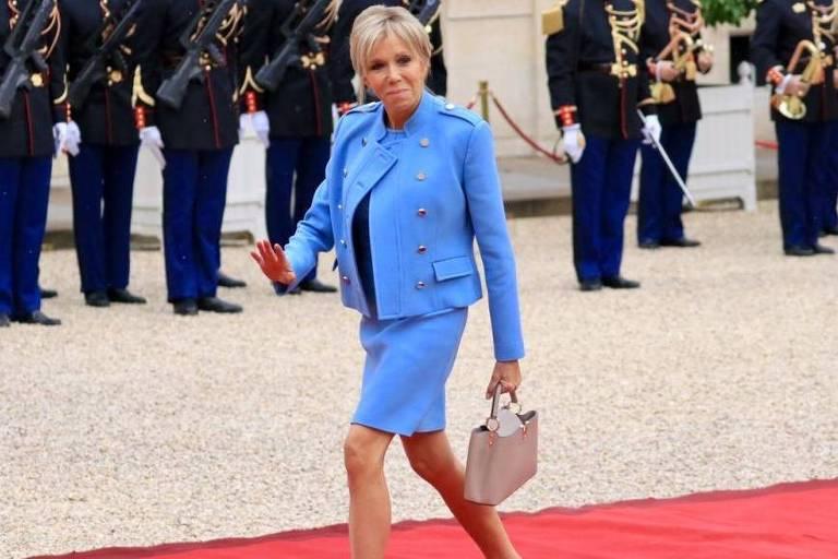 Brigitte Macron chega para a posse no Palácio do Eliseu, em 14 de maio de 2017.
