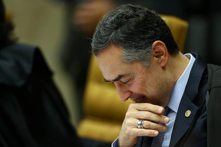 O ministro Luis Roberto Barroso durante sessão plenária do STF, em Brasília