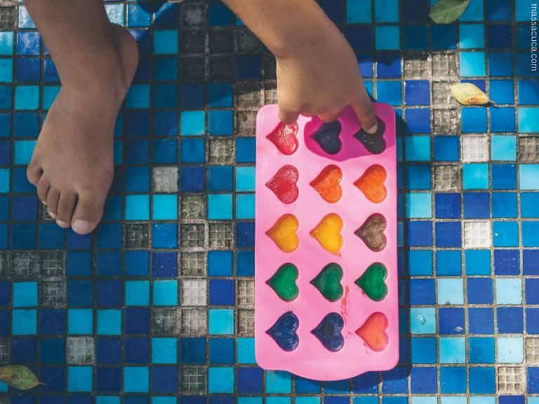 Atividade do grupo Massacuca, que promove programação sensorial para crianças no Sesc Campo Limpo