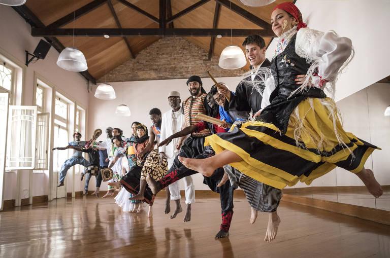 Bailarinos Imigrantes