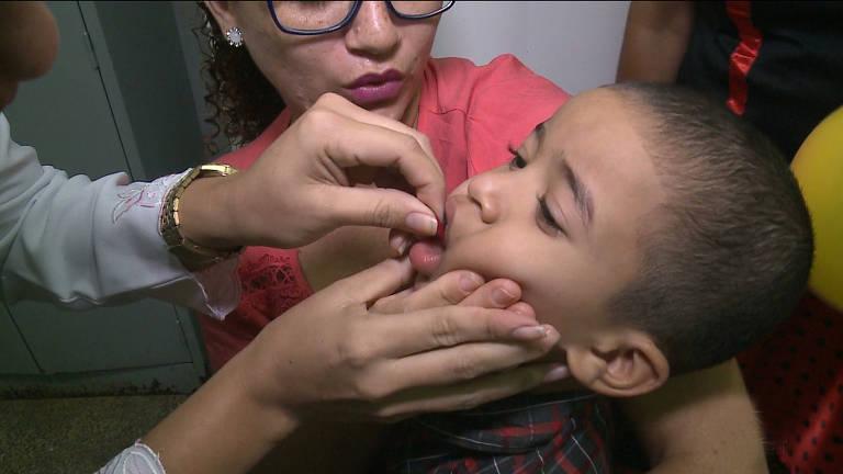 Campanha de vacinação contra sarampo e poliomielite