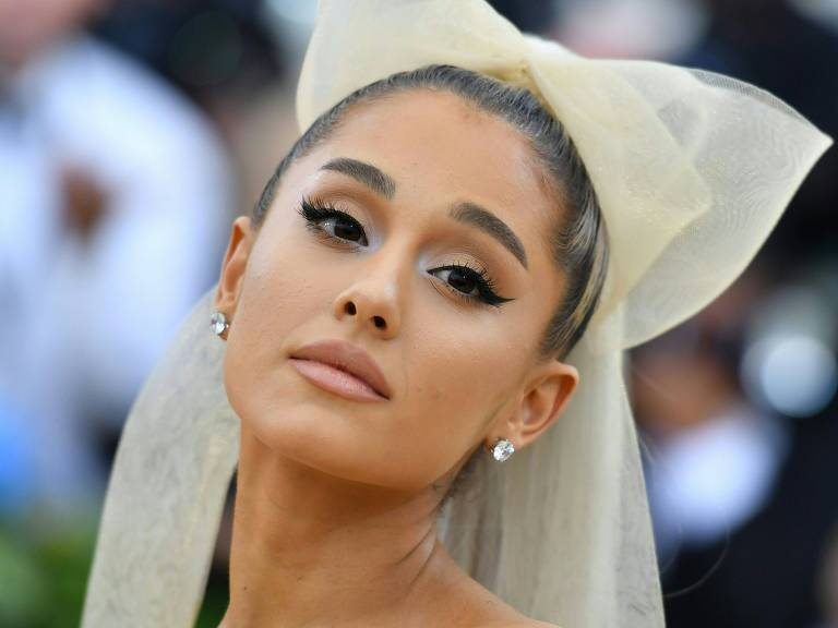 Ariana Grande no Met Gala no Metropolitan Museum of Art in New York