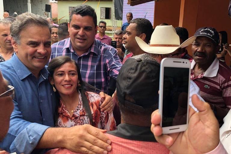 Aécio Neves (PSDB-MG), em campanha à Câmara dos Deputados no Vale do Mucuri, em Minas Gerais