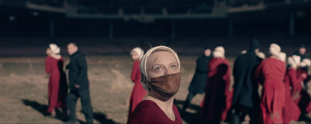 Elisabeth Moss na segunda temporada de 'The Handmaid's Tale'