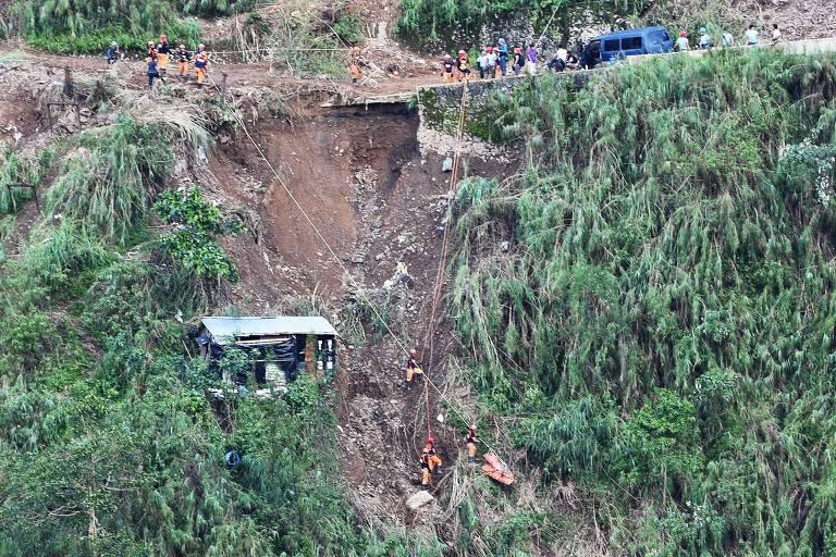 Cerca de 50 pessoas são soterradas após passagem de tufão nas Filipinas