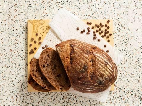 Pão de chocolate oferecido pela casa às quintas