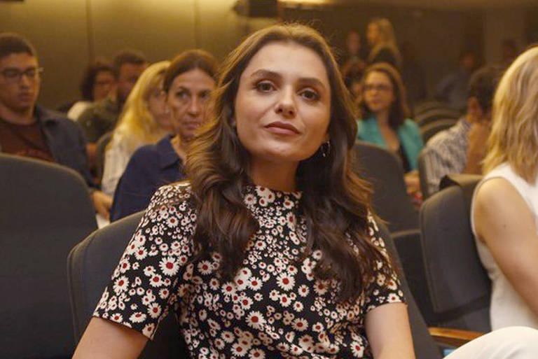 Monica Iozzi dá vida a Carmen, paciente e vítima de Roger em 'Assédio'