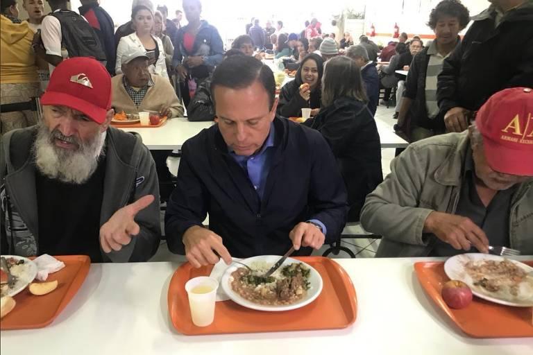 João Doria (PSDB) almoça em unidade do Bom Prato no Tucuruvi (zona norte de SP)
