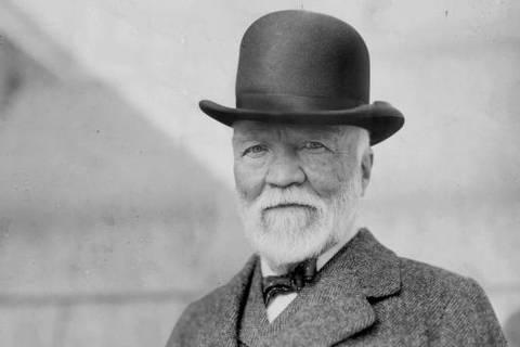 Andrew Carnegie foi um pioneiro entre magnatas que enriqueceram e depois doaram parte de suas fortunas a causas sociais