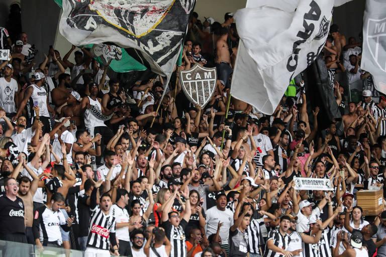 Torcida no Atlético-MG no Mineirão durante o clássico contra o Cruzeiro, neste domingo (16)