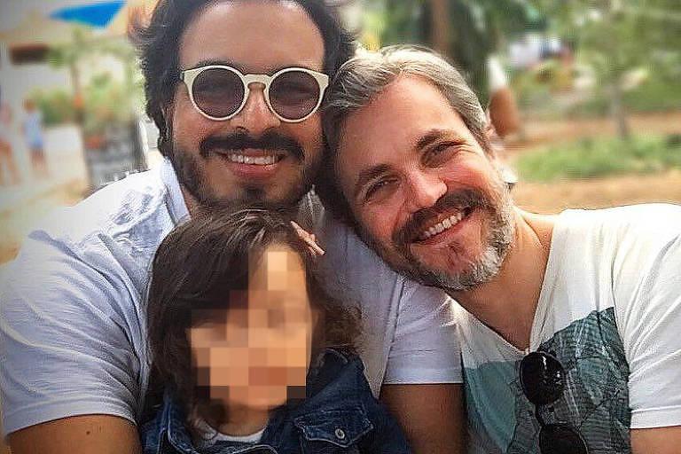 Luis Lobianco com o marido e a filha