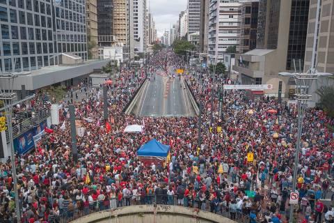 Campanha petista gasta R$ 1,5 mi com advogados que defendem Lula