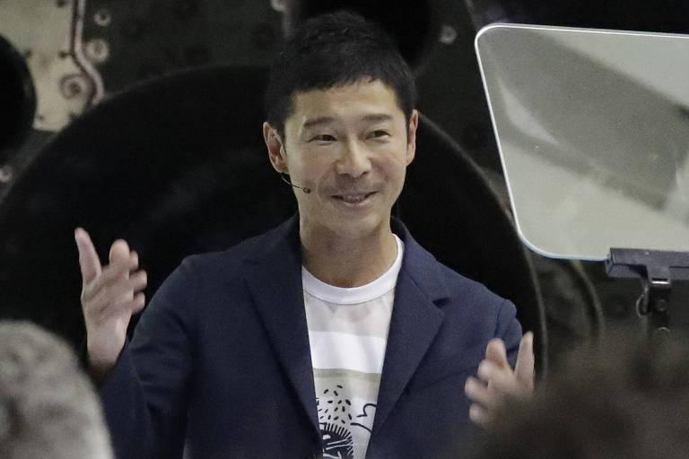 O japonês Yusaku Maezawa durante entrevista coletiva