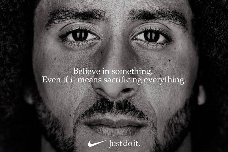 Anúncio da Nike, com Colin Kaepernick