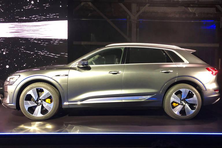 Lançamento do primeiro veículo totalmente elétrico da Audi, o utilitário esportivo e-tron