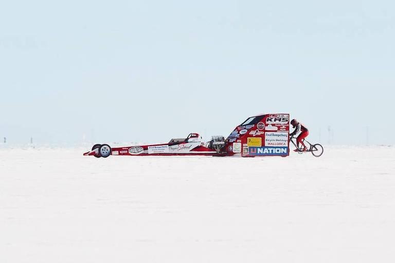 Ciclista americana quebra recorde ao atingir 296 km/h