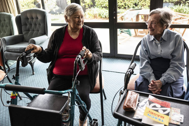 Kathy Fitzell, left, and Nancy Rogers at the Merivale Retirement Village in Christchurch, New Zealand, Aug. 24, 2018. Fitzell, a Maori, said her parents spoke the language at home, but she was uncomfortable using it in public, and Rogers said not learning how to speak and understand Maori was ?one of the great regrets of my life.?