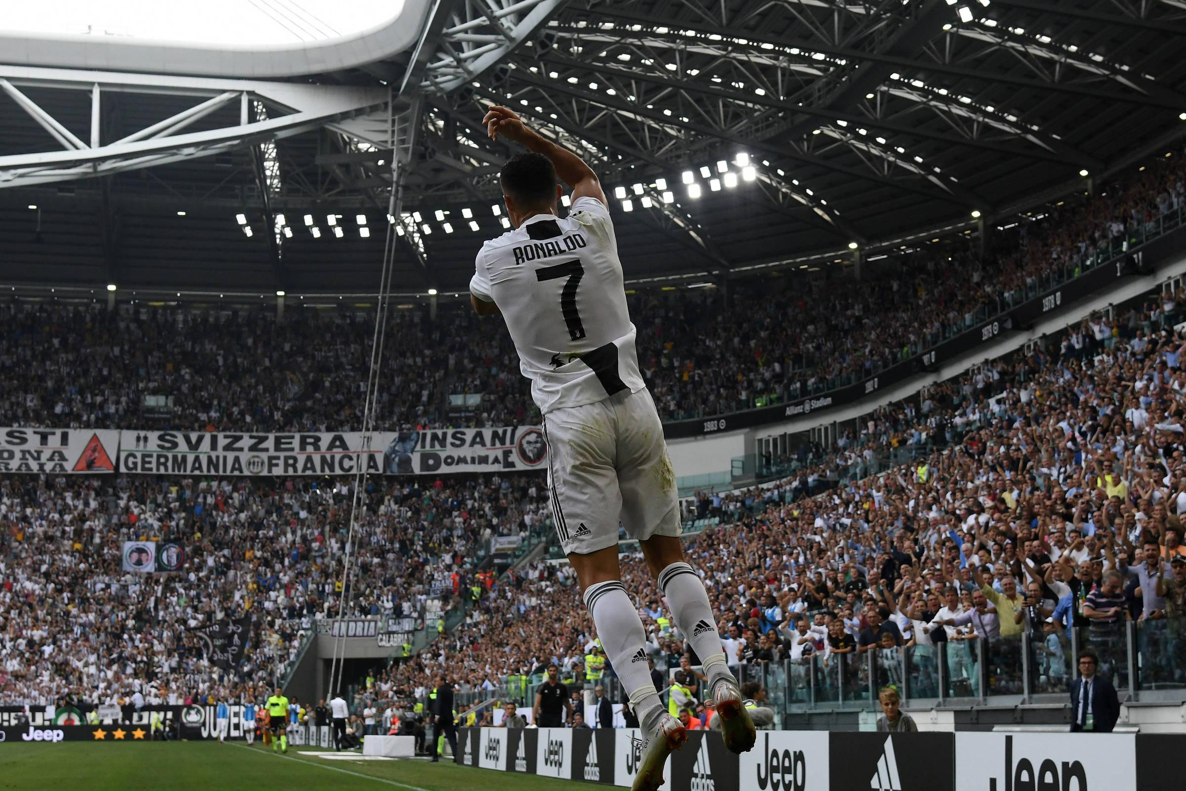 Cristiano Ronaldo e Real estreiam na Champions em caminhos separados -  18 09 2018 - Esporte - Folha ee55ef9bb4865