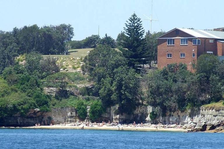 Lady Bay Beach, em Sydney, é a praia de nudismo mais antiga da Austrália