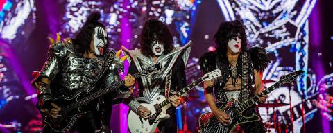 SAO PAULO, SP, BRASIL, 26-04-2015, 23h17: A banda Kiss, se apresenta no segundo dia do festival Monsters of Rock 2015, na arena Anhembi em Sao Paulo. (Foto: Eduardo Anizelli/Folhapress, ILUSTRADA) ORG XMIT: _NIZ0981.CR2