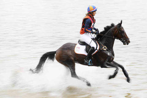The Netherlands' Renske Kroeze rides Jane Z in the cross country competition at the World Equestrian Games in Tryon, N.C., Saturday, Sept. 15, 2018. (Angela Wilhelm/The Asheville Citizen-Times via AP) ORG XMIT: NCASH204