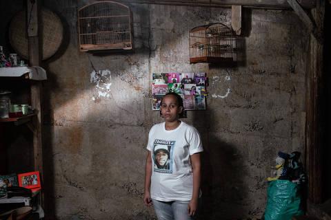 Rio de Janeiro, Rj, BRASIL. 17/09/2018;  Retrato de Janaína Mattos, 35, que teve o filho morto em 2016 por um policial da UPP do Borel ( Foto: Ricardo Borges/Folhapress)