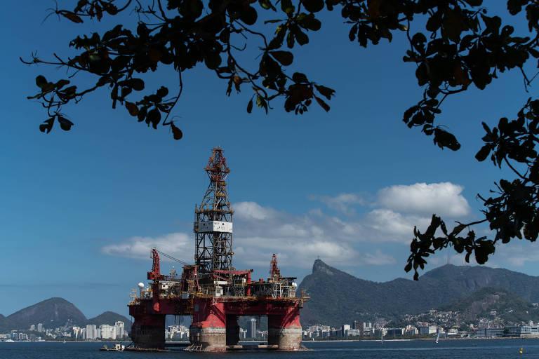 Está marcado para 6 de novembro um megaleilão de petróleo no qual o governo estima arrecadar R$ 106 bilhões