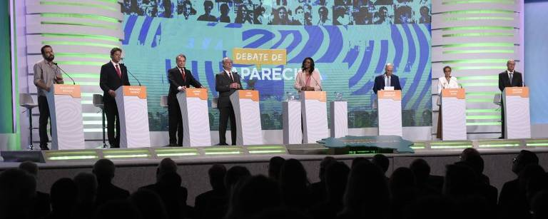 Veja imagens do debate dos candidatos a presidente na TV Aparecida