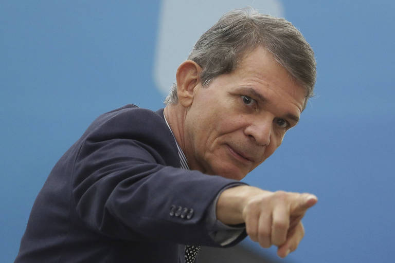 O ministro da Defesa, Joaquim Silva e Luna, que afirmou que as Forças Armadas vão garantir o resultado das urnas