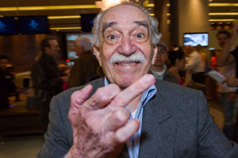 Gabriel García Márquez, em 2014, em um boliche no México, ao perceber que ia ser fotografado