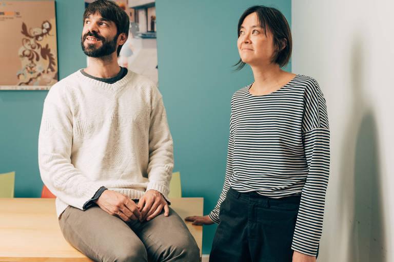Luciana Eguti e Paulo Muppet, sócios da produtora Birdo, em seu estúdio