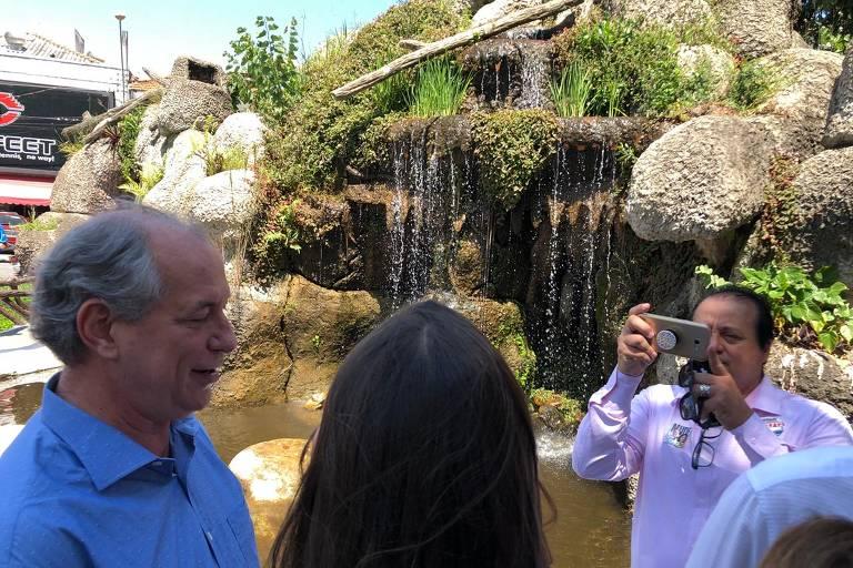 Presidenciável Ciro Gomes visita Aparecida e Pindamonhangaba (SP)