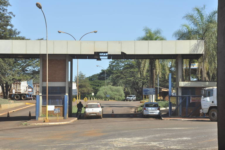Biosev contrata banco para possível venda de usinas no Brasil, diz agência