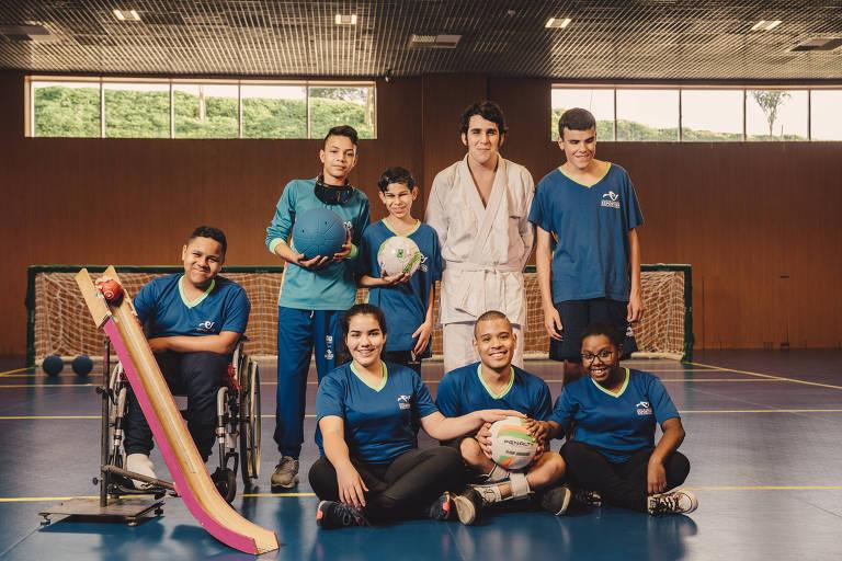 Adolescentes que participam do projeto montado no Centro de Treinamento Paralímpico, em São Paulo