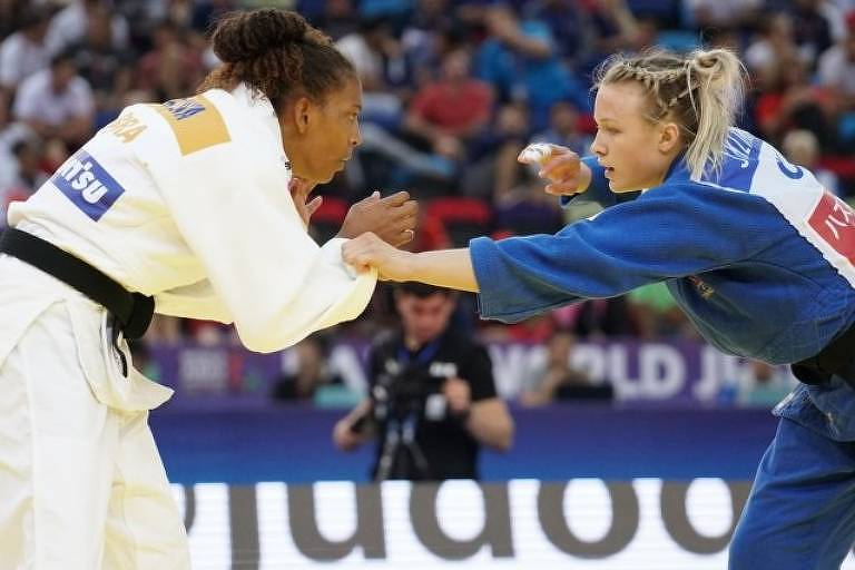 Rafaela Silva luta contra a canadense Jessica Klimkait