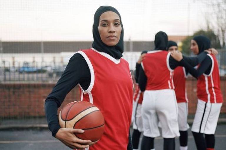 Asma Elbadawi diz que teme que as meninas nunca aprendam a gostar de seus corpos