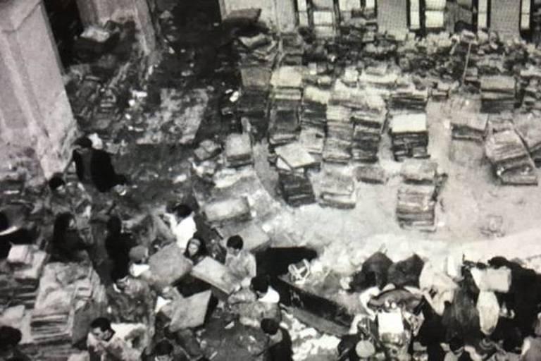 A grande enchente em Florença, em 1966, casou destruição, mas também estimulou a criação de um refinado sistema de restauro em obras de arte que se tornou referência mundial