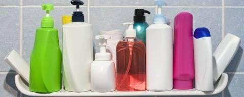 'Pequenas contaminações ocorrem diariamente, já que eles estão presentes em várias coisas', diz endocrinologista