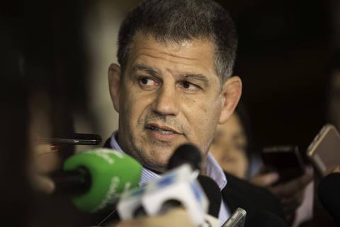 De admirador a braço direito de Bolsonaro, advogado vira 'faz tudo' em campanha