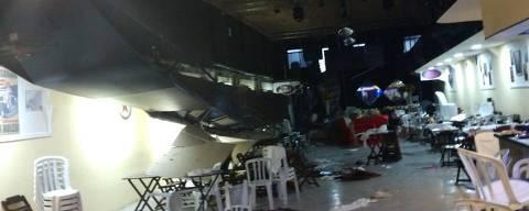 Mezanino que desabou em casa de eventos onde ocorria desfile infantil