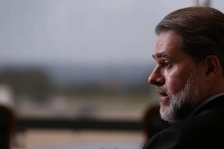 O presidente do STF, ministro Dias Toffoli, concede entrevista à Folha em seu gabinete no Supremo