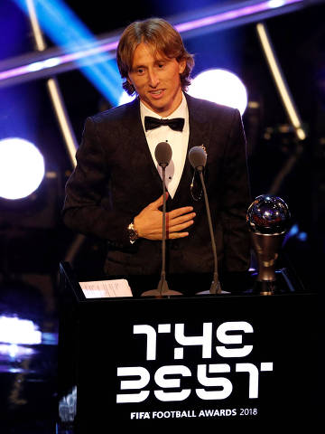 Soccer Football - The Best FIFA Football Awards - Royal Festival Hall, London, Britain - September 24, 2018   Luka Modric after winning the Best Men's Player award   Action Images via Reuters/John Sibley ORG XMIT: AI