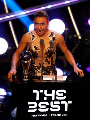 Soccer Football - The Best FIFA Football Awards - Royal Festival Hall, London, Britain - September 24, 2018   Marta after winning the Best Women's Player award   Action Images via Reuters/John Sibley ORG XMIT: AI