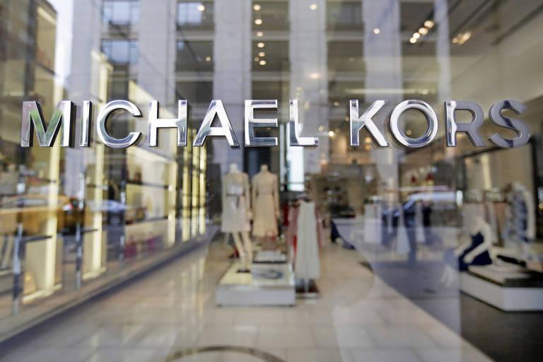 Grupo americano Michael Kors compra grife italiana Versace