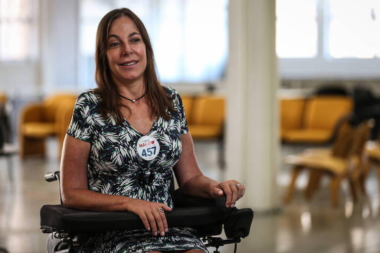 Deputada tucana Mara Gabrili durante entrevista na redação da Folha