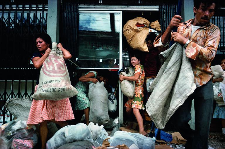 Fotografias do conflito na Nicarágua por Susan Meiselas