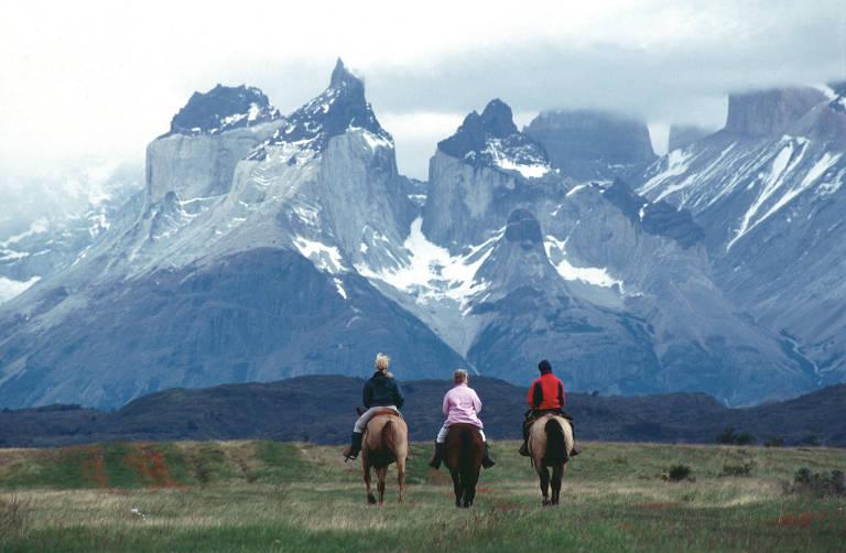 Montanhas Cuernos del Paine, no Parque Nacional Torres del Paine, na Patagônia do Chile