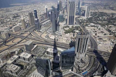 Vista aérea com edifício