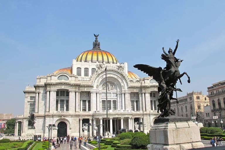 O Palacio de Bellas Artes, teatro de ópera na Cidade do México