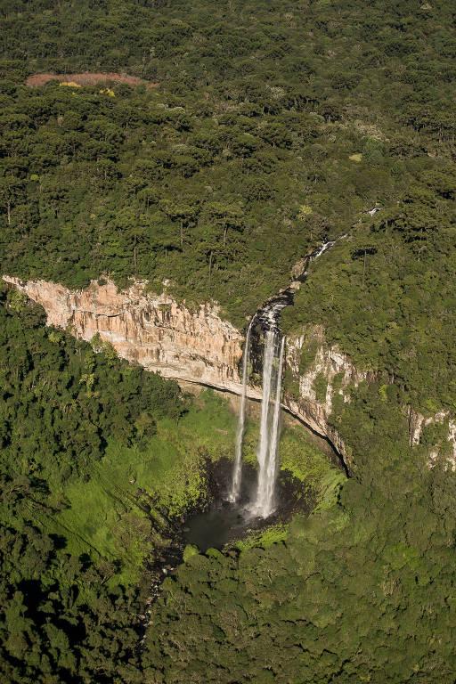 Cascata Caracol, queda d'água de 131 metros, localizada no parque de mesmo nome, em Canela